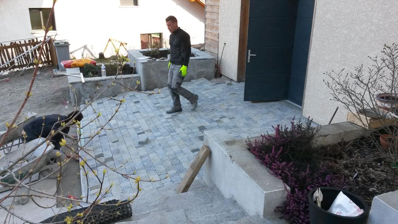 gros-oeuvre-amenagement-exterieur-zanardi-btp-allevard-pave-beton