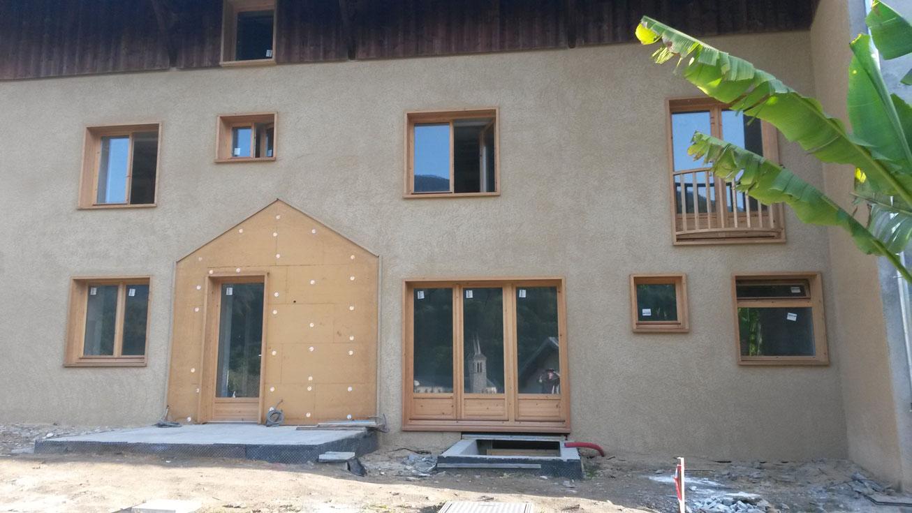 gros-oeuvre-facades-zanardi-btp-allevard-crepi-sur-isolation-exterieure-bois