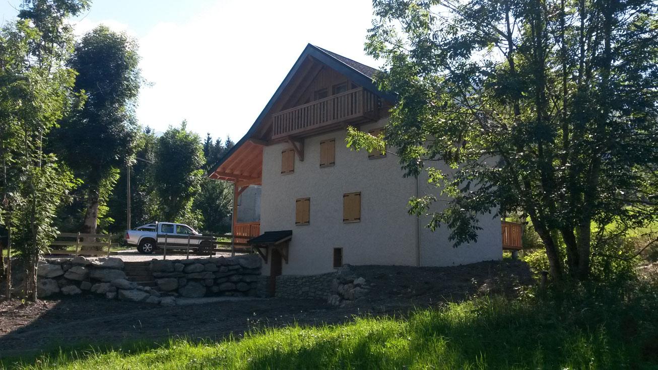 gros-oeuvre-renovation-zanardi-btp-allevard-2-apres-renovation-vieille-batisse-avec-iso-exterieure-et-façade---villa-a-la-feriere