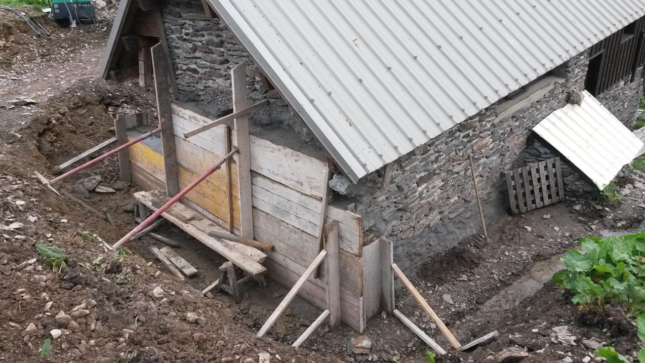 gros-oeuvre-renovation-zanardi-btp-allevard-consolidation-drainage-chalet-pierre-du-carre
