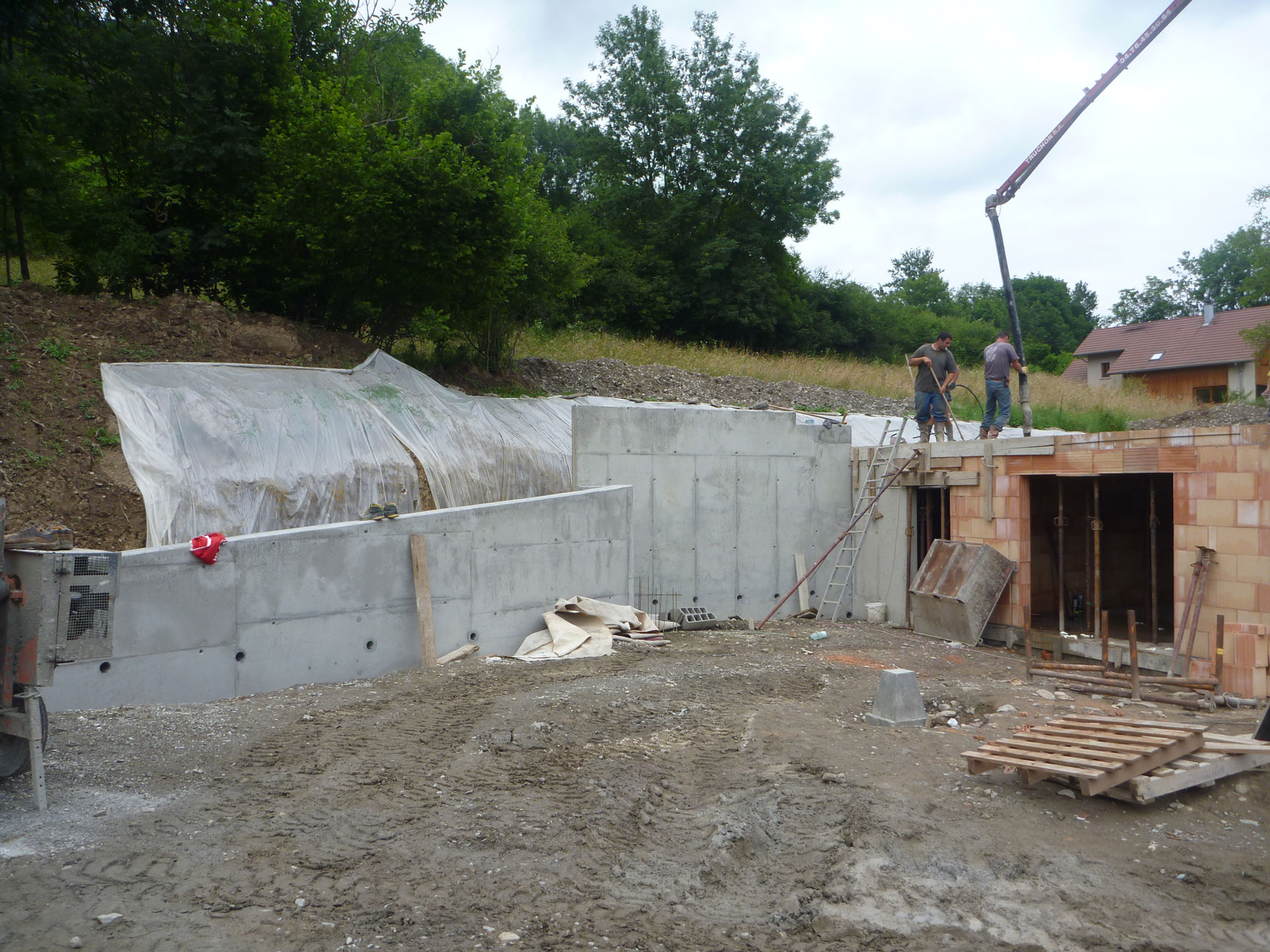 gros-oeuvre-zanardi-btp-allevard-sous-sol-brique-beton-mur-de-soutenement